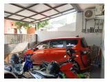 Garasi untuk Mobil, motor atau sepeda yg aman dan nyaman krn berada di dalam rumah