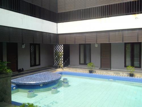 Tempat Kost Eksklusif di Kemang, Jakarta Selatan - Kusuma ...